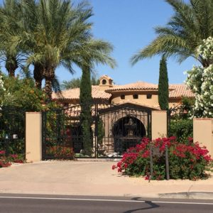 Paradise Valley, Arizona- Camelback Mountain is situated by the border of Phoenix, Scottsdale, and opulent Paradise Valley. The southwestern architecture and landscaping of Paradise Valley's mansions are a sharp contrast in style to what we observe in Atlanta.